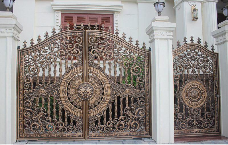 Cổng sắt dành cho nhà biệt thự