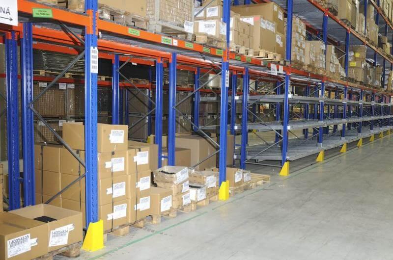 Hệ thống kệ kho hàng của Navavina đang cung cấp cho khách hàng