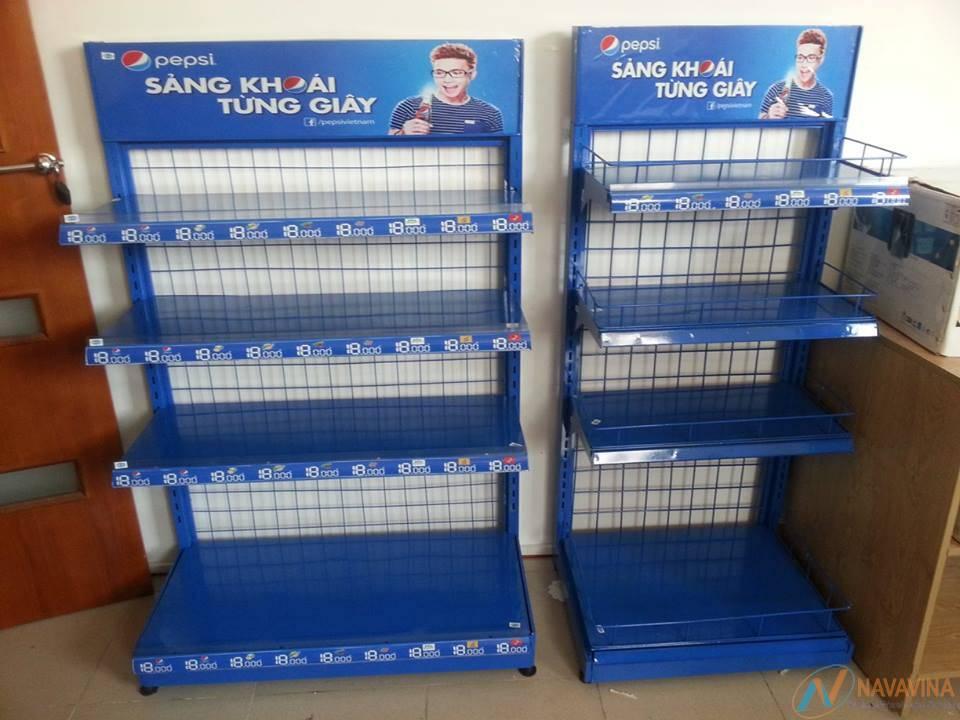 mẫu kệ chứa hàng siêu thị quảng cáo