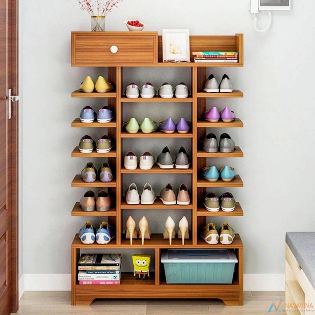 Kệ trưng bày giày dép bằng gỗ