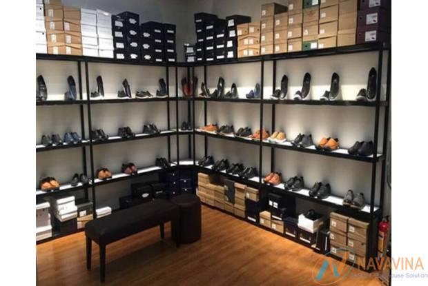 9 mẫu kệ trưng bày giày dép giá rẻ bền đẹp nhất 2021