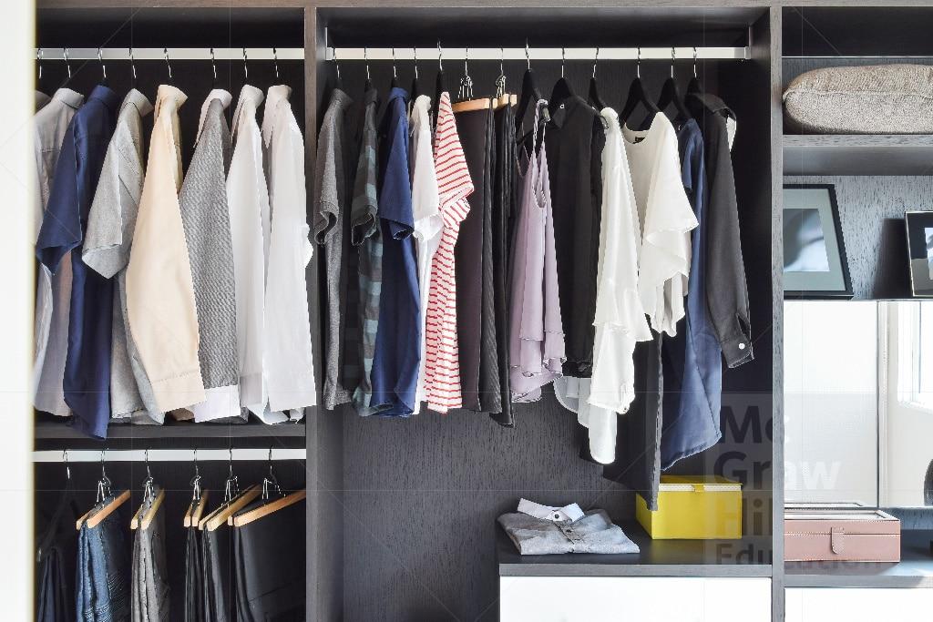 Tủ treo quần áo cửa hàng quần áo
