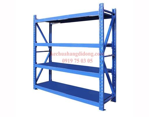 kệ trung tải 4 tầng màu xanh được sử dụngphổ biến