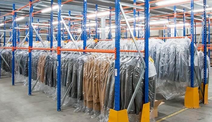 giải pháp lấy hàng cho quần áo dạng treo